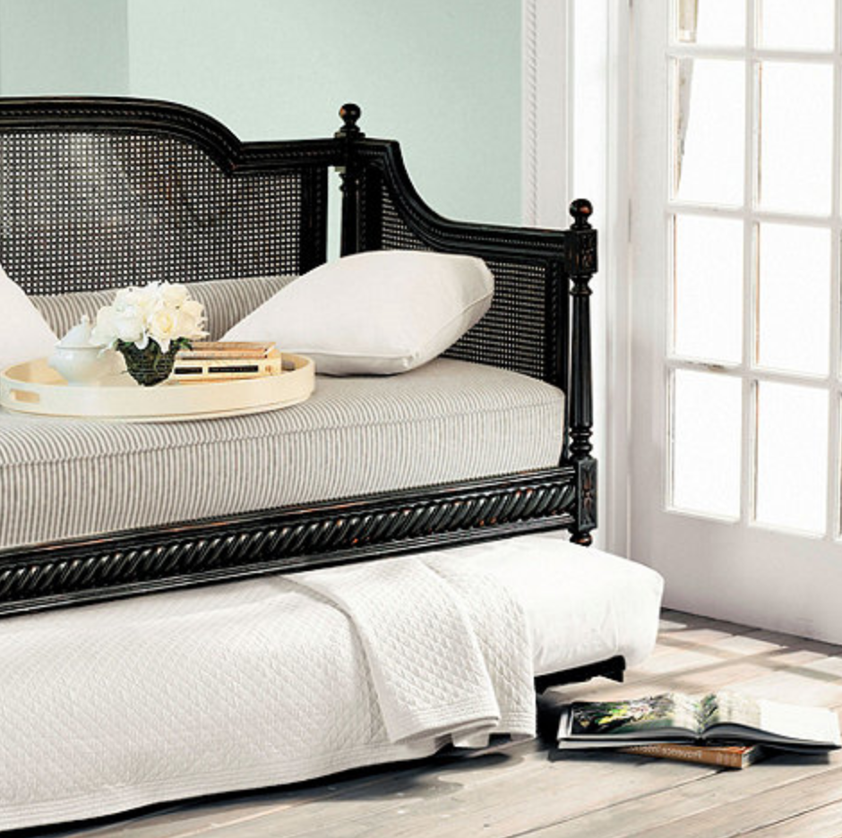 6 dreamy daybeds craft blog for Daybed with trundle