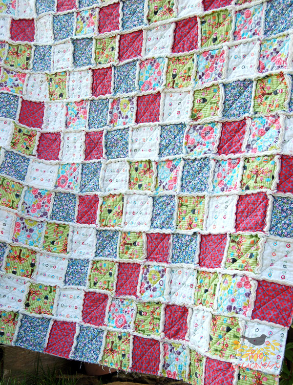 More rag quilt photos on TheDesignest blog #ragquilt