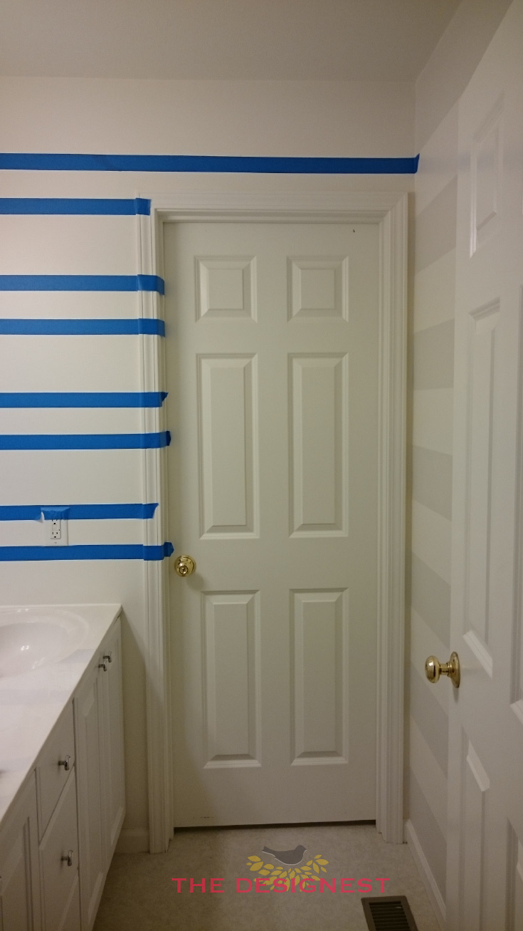 How to paint stripes in a small bathroom