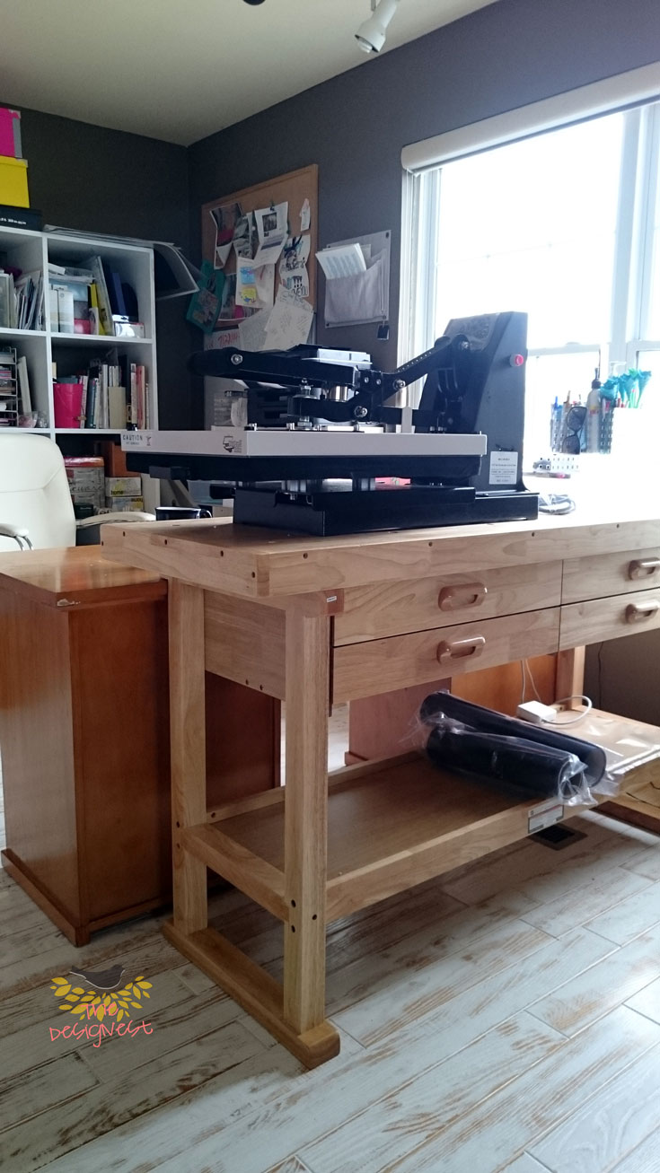 This workbench is great to put a heat press on.